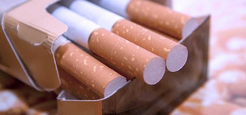 Como o cigarro afeta amamentação, gestação, diabetes, doação de sangue e animais de estimação